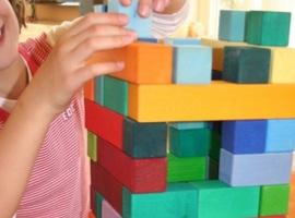 piramide-de-blocs-de-fusta-600x532